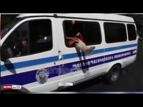 Полиция Еревана ловит проституток средь бело дня