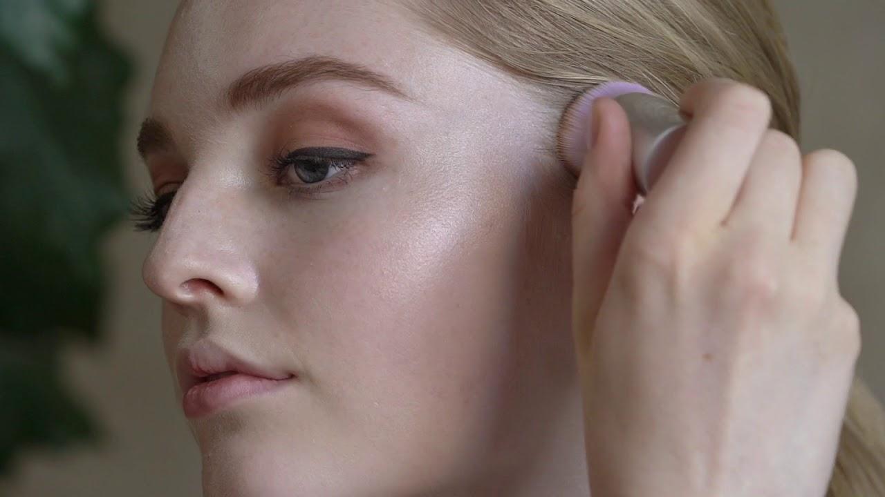 How to Apply RMS Beauty Magic Luminizer