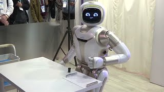 robots-for-home-aid-cooking-on-view-at-ces-expo