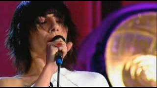 PJ Harvey... Who The Fuck (Live 04)