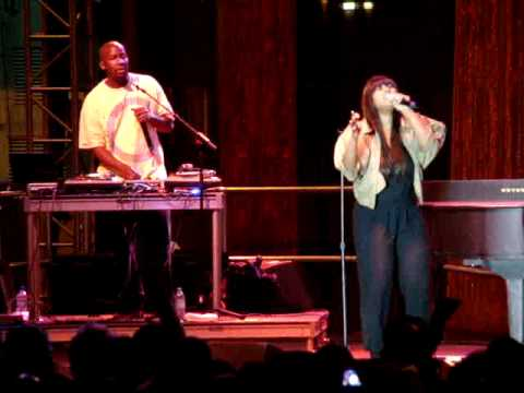 2/2 Jazmine Sullivan - Dream Big, A Milli, Jazmine's Runway Walk + I Need You Bad