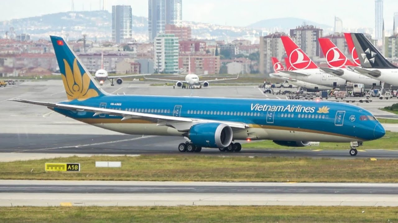 (4K) Government flight! Vietnam airlines 787-9 pushback, taxi, and take off from Istanbul airport!