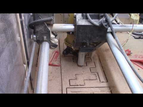 Repeat MPCNC 2D Cutting soft and hard wood by Thomas
