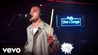 Slaves - Everybody Wants To Be Famous (Superorganism cover) in the Live Lounge
