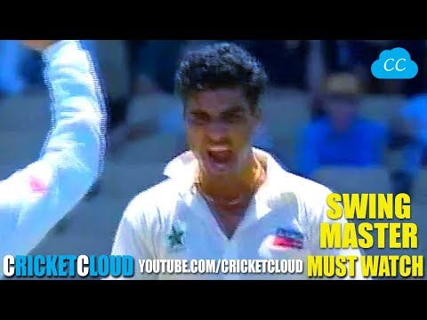 Waqar Younis THE SWING MASTER - Finishes in Style !!