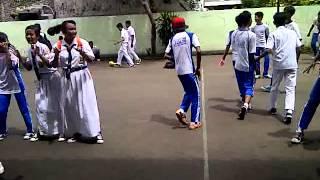 Repeat youtube video Goyang Oplosan SMPN 217 Jkt [Senin,16 Desember 2013] part 2 #classmeet