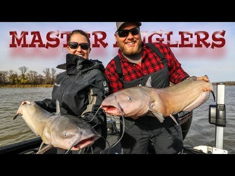 This Place Is A Walleye Factory! (BONUS Channel Cats)