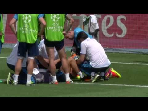 Head In Hands! Cristiano Ronaldo Gets Injured In Training