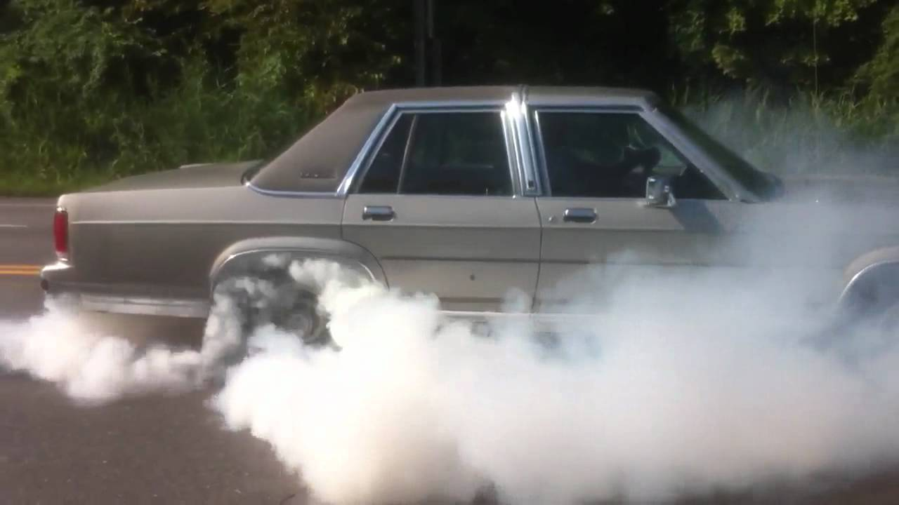 Ford Crown Victoria LTD 1991 Burnout  YouTube