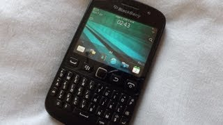 blackBerry 9720 Unboxing Video