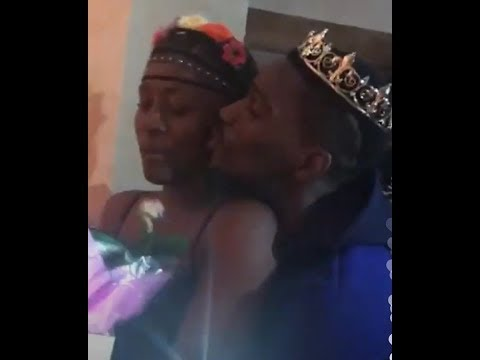 BB NAIJA 2018: TOBI KISS ALEX/ HIS FAMILY BROUGHT HER A CROWN AND FLOWERS