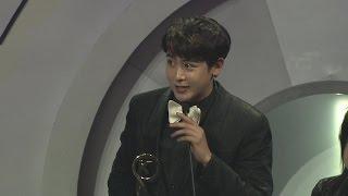 160329 2PM won Asian Most Popular Group at 2016 KU Music Asian Awards : Nichkhun Award & Dance cut