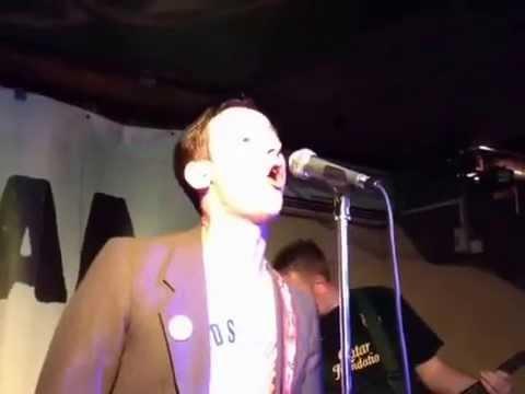 Тихие игры в рок-баре