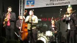 Second Line Jazzband plays 'High Society'