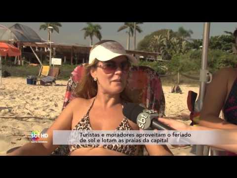 Turistas E Moradores Aproveitam O Feriado De Sol E Lotam As Praias Da Capital