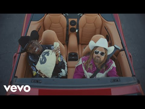 Смотреть клип Lil Nas X - Old Town Road  Ft. Billy Ray Cyrus