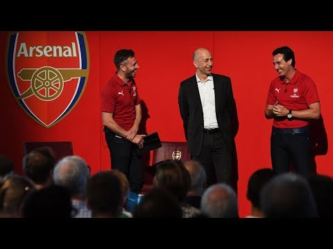 Unai Emery surprises fans at Emirates Stadium