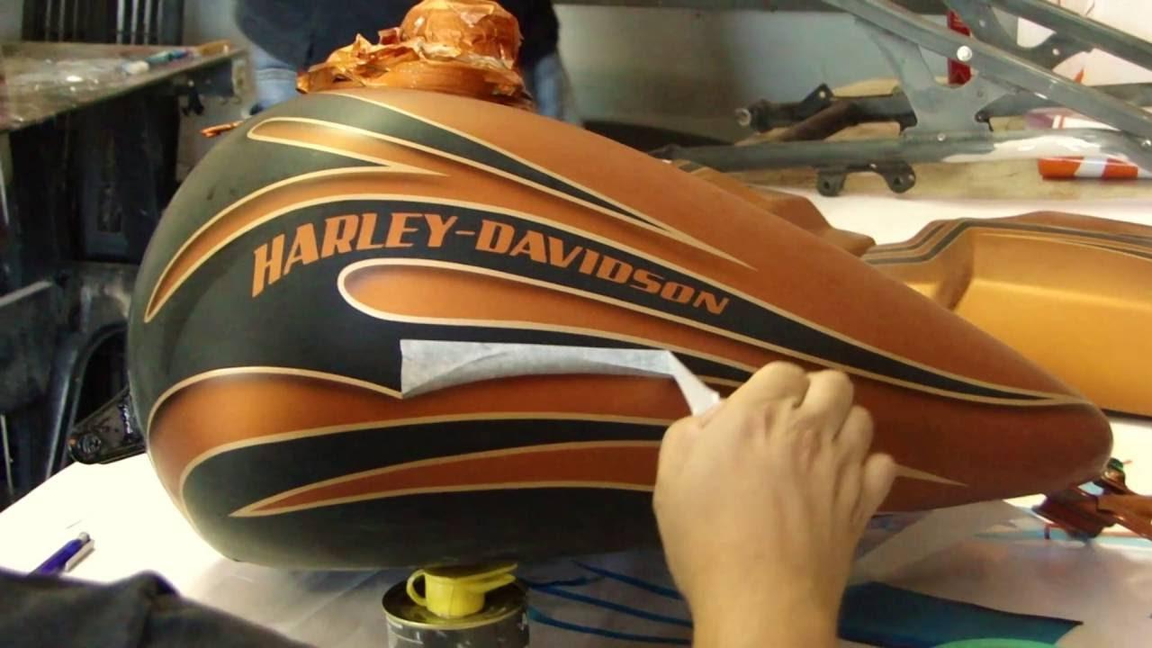 pintura de moto harley davidson divino aerografia youtube. Black Bedroom Furniture Sets. Home Design Ideas