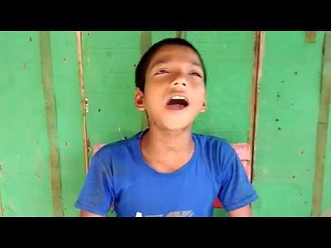 O sathi akbar ase dekhe jao by Small peanut seller boy Darshana