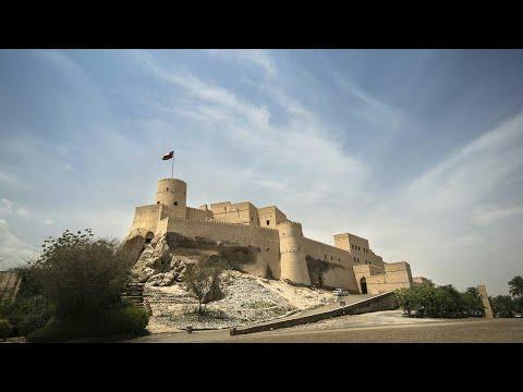 (Nakhal Fort) (قلعة نخل)