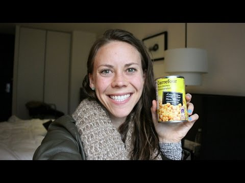 EATING HEALTHY IN HOTELS | Vegan Meals While Traveling | What I Eat #44