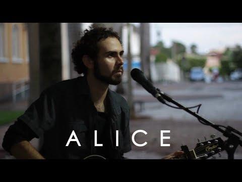 José Pinheiro  Alice