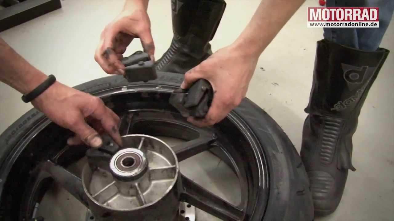 MOTORRAD-Werkstatt: Reifenwechsel Tutorial Teil 2