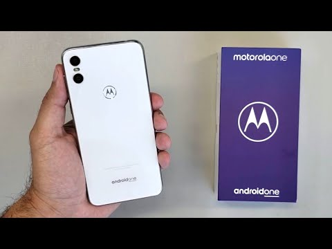 Unboxing Motorola One