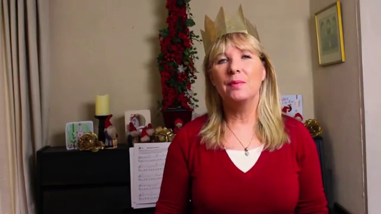 Christmas Crackers Hat.How To Make A Paper Hat For Your Christmas Cracker