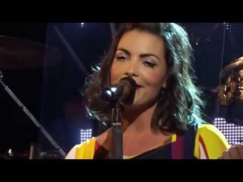 Caro Emerald - All About That Bass - live @Tivoli de Helling, Utrecht, Netherlands, 10 November 2015