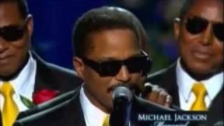 2009年7月7日マイケルの追悼式での家族のスピーチ 緊張感の無い家族とパ...