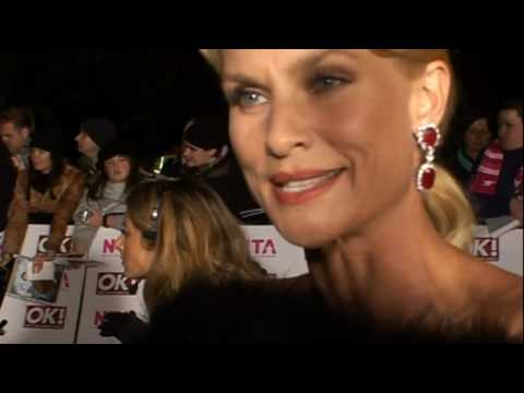 Nicollette Sheridan sues Desperate Housewives boss