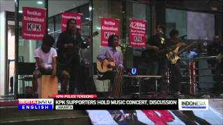 Indonesian Musicians Perform Outside KPK Headquarters in Support of Embattled Anti-Graft Agency