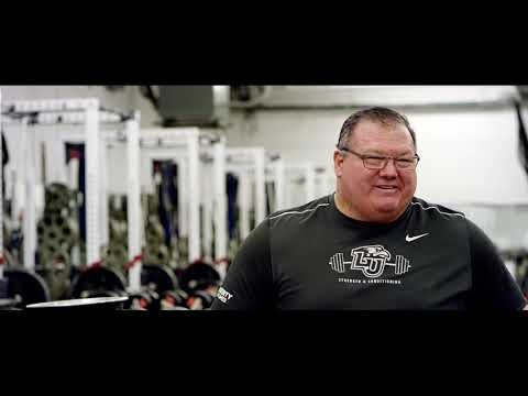 Watch 59 Year Old Billie Gillespie S Crazy Fast 903lb Equipped Bench