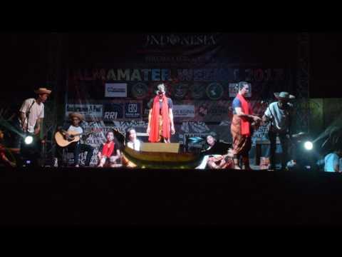 vocal group BKB 8 STIKES SUAKA INSAN Gebyar-gebyar, mambesei