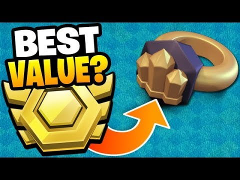 THE BEST VALUE TO SPEND YOUR LEAGUE MEDALS ON! - Let's Play TH10 - Clash Of Clans