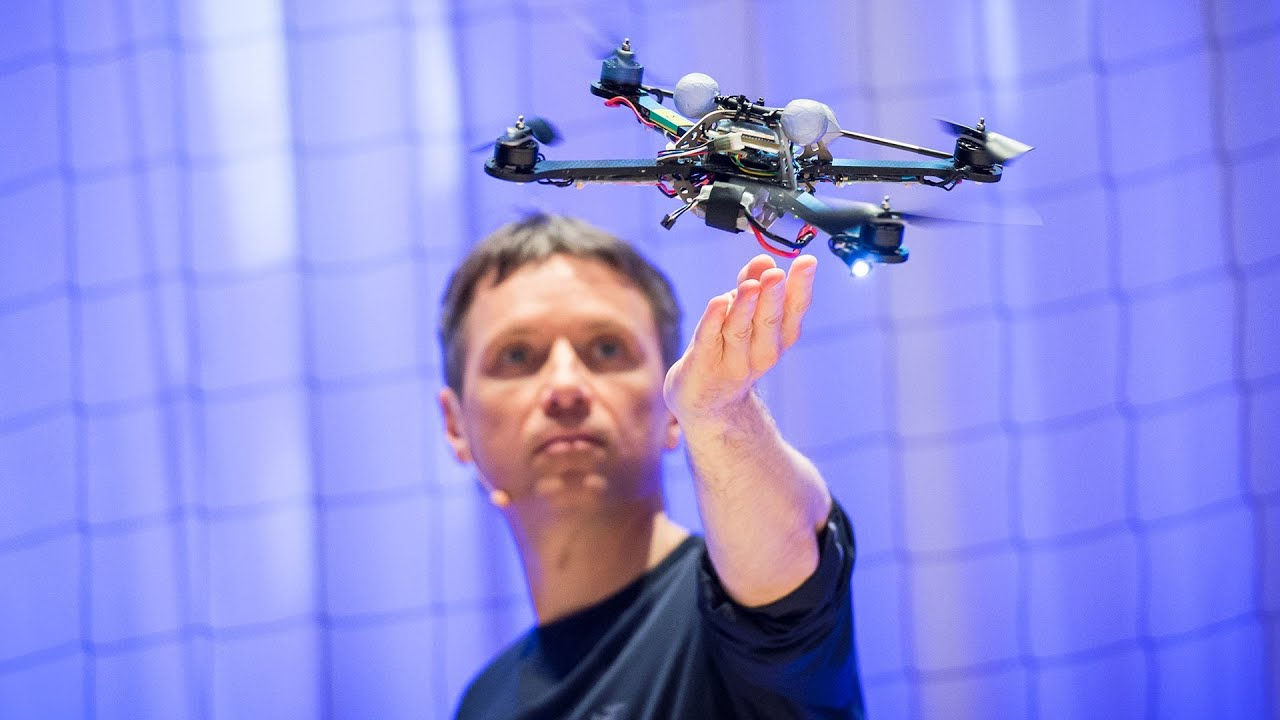 The astounding athletic power of quadcopters | Raffaello D'Andrea