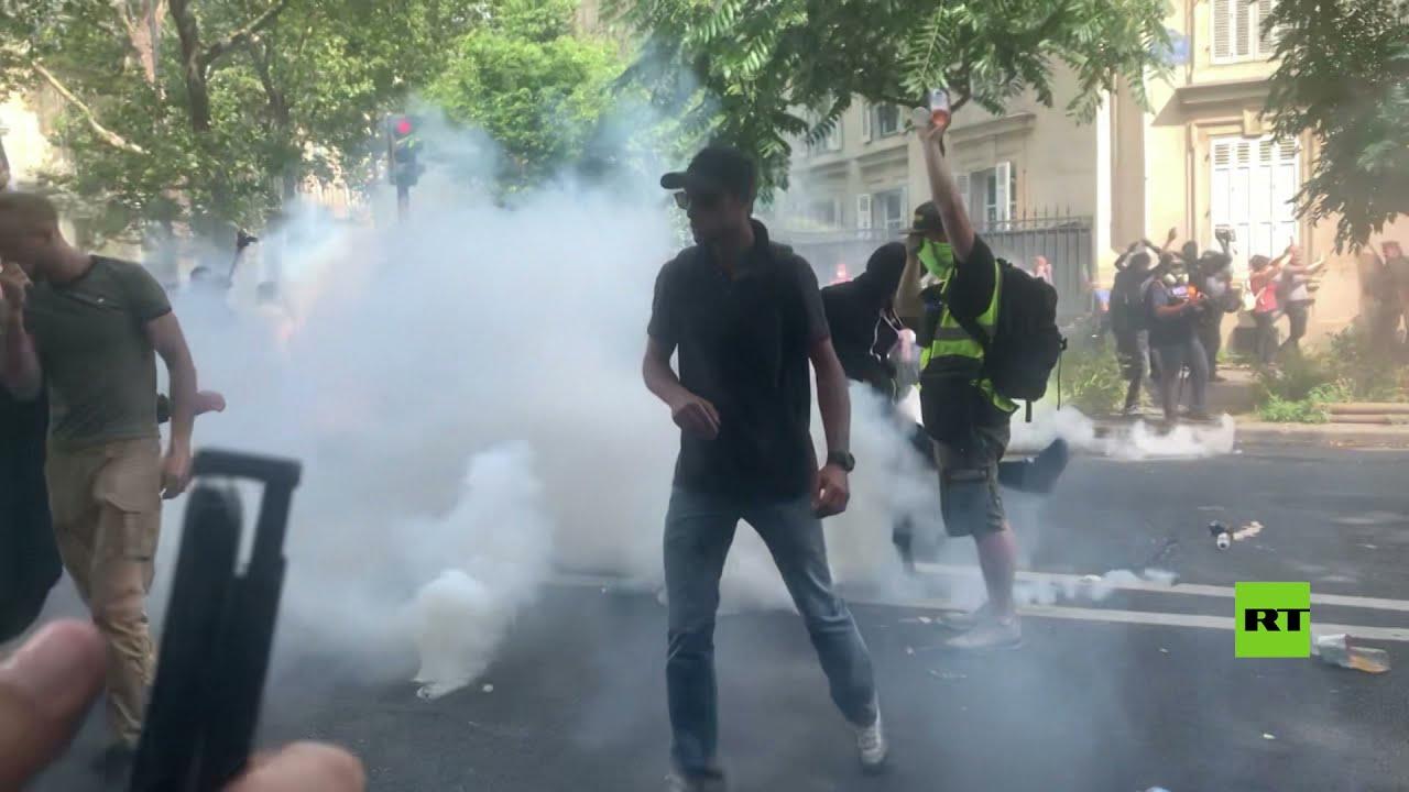 اشتباكات عنيفة بين الشرطة ومحتجين على -الشهادة الصحية- في باريس  - نشر قبل 6 ساعة