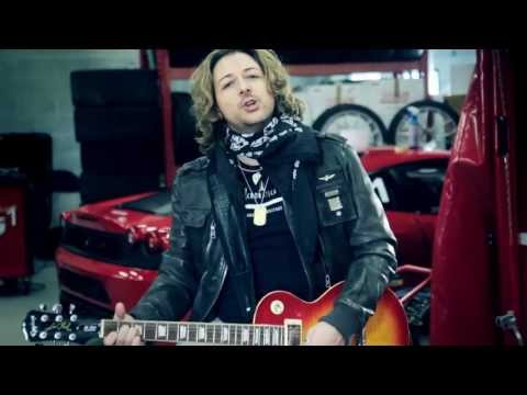 Simone Tomassini - La Ferrari è lei (official videoclip)