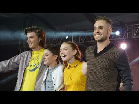 Noah Schnapp, Sadie Sink, Joe at Asia Pop Comic Con