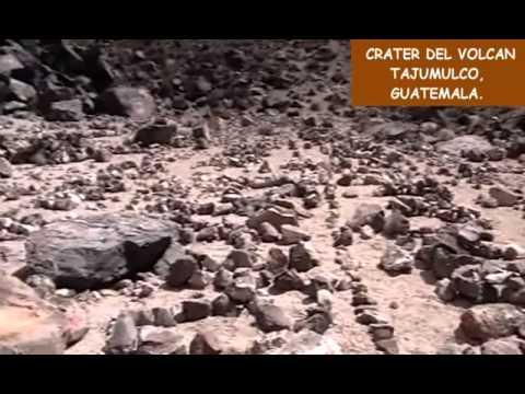 BAJANDO AL CRATER DEL VOLCAN TAJUMULCO GUATEMALA