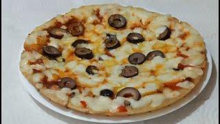 بيتزا الطاسة(المقلاه) السريعه بدون عجن بدون فرن البيتزا السائله في عشر دقائق لن تفرقيها عن الجاهزه