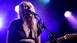 Lissie - 2000 Miles (Pretenders cover) Live Liverpool O2 Academy 15-12-10