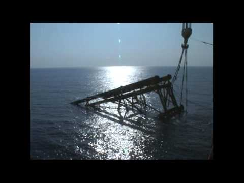 D 1 - ONGC platform in India's Western Offshore