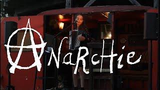 Anarchie (extrait) ~ Clara Sanchez