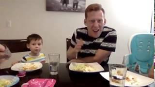 Comiendo Tostadas con Los Perms