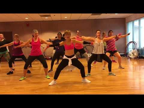 """""""SWEAT"""" Inner Circle - Dance Fitness Workout with Free Weights Valeo Club"""