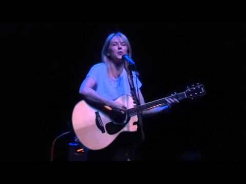 Liz Phair - Why Can't I - Live at The Fillmore in Detroit, MI on 4-1-16