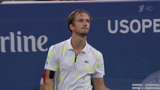 На Первом канале - трансляция финала Открытого чемпионата США по теннису: Д.Медведев - Р.Надаль.