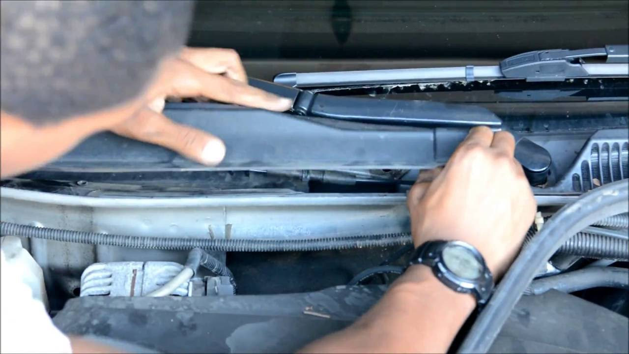 how to change cabin air filter chevorlet impala 2006 2013 [ 1280 x 720 Pixel ]
